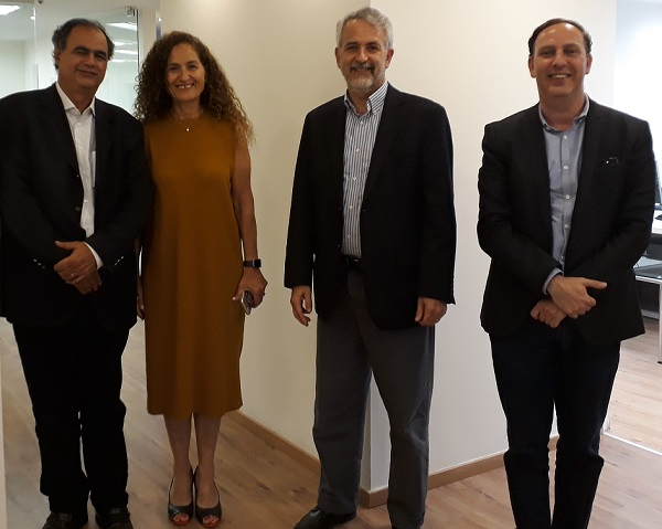 Time for a picture after signing the Trendliens-Sirius agreement (l to r): Antonio Carlos Costa (Sirius), Trendlines Incubators Israel CEO Nitza Kardish, Trendlines Chairman and CEO Steve Rhodes, and Gabriel Schimchak (Sirius).