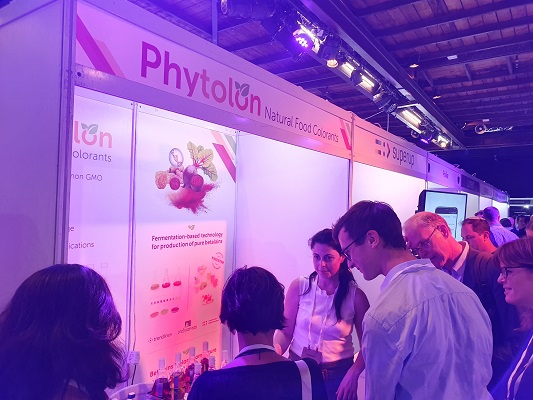Phytolon Senior Scientist Tal Zeltzer, PhD (center), answers questions during FoodTech IL, part of Israel's AgriFood Week, 22-26 September, 2019.
